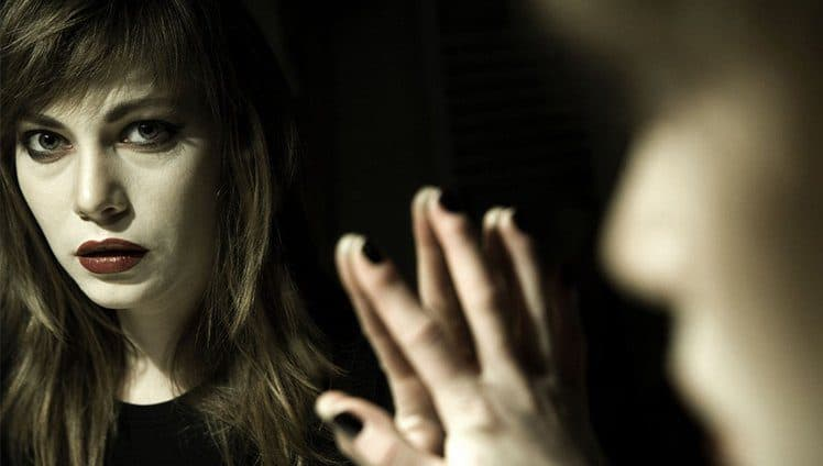 Vampiros emocionais Desconfio de pessoas e sentimentos que nos fazem prisioneiros.