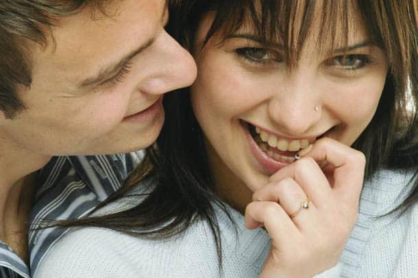 pesquisa mulher sorrindo