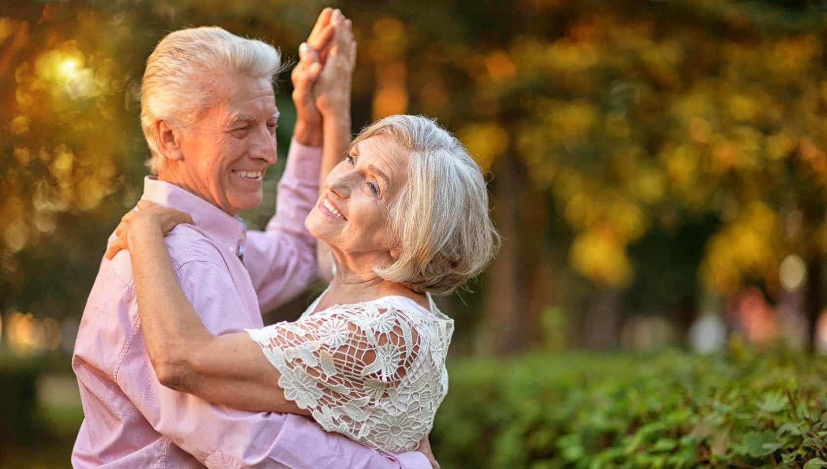 Ainda Que a Idade Me Traga o Ritmo Lento Não Deixarei de Dançar