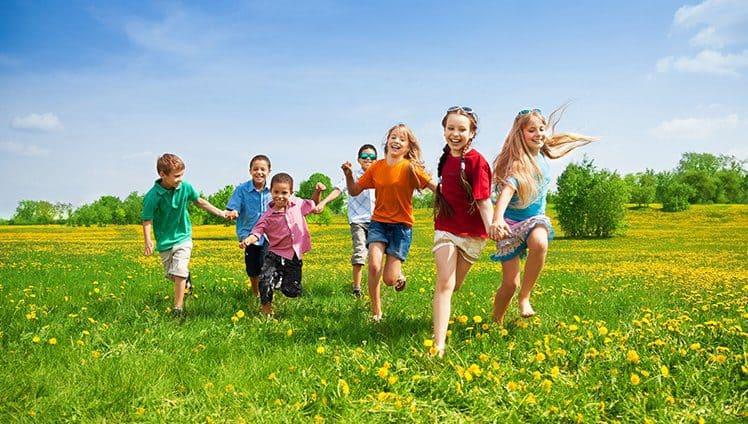 Entendi que o mundo é das crianças a gente só vive nele.