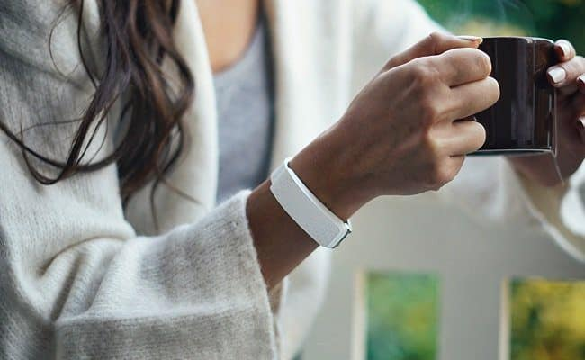 esta pulseira especial permite