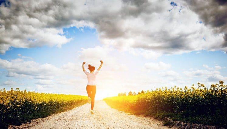 As flores são para você que acordou cedo levantou com o pé direito tomou um café e partiu em busca de suas vitórias