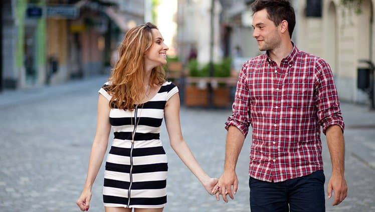 Encontre Alguém Que Te Transborde: Seja Inteiro E Encontre Alguém Que O Transborde…