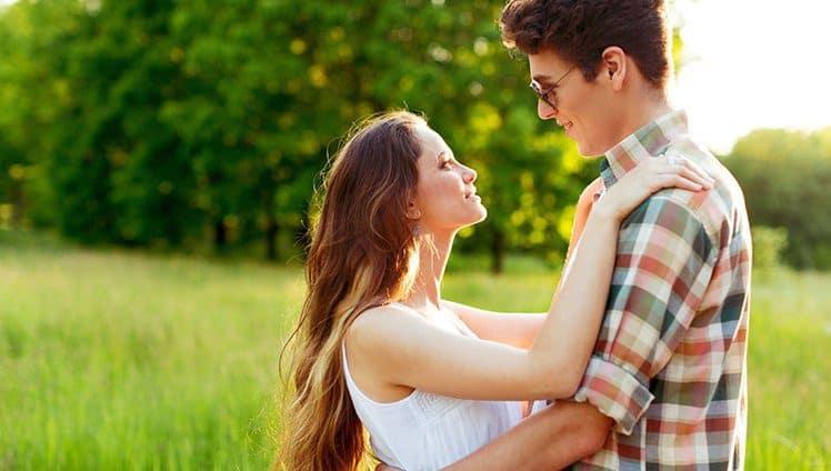 Ninguém completa ninguém amar é expandir e não preencher.