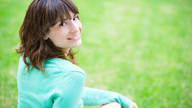 Sobre a felicidade entenda ela não está condicionada ao estado civil.