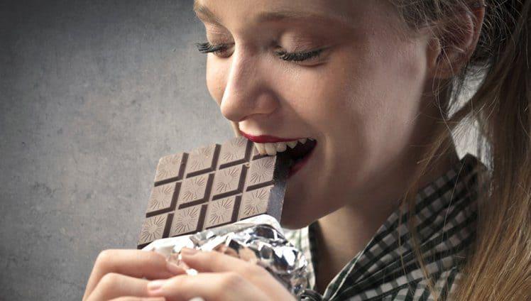 A mágica que faz o chocolate de deixar mais feliz