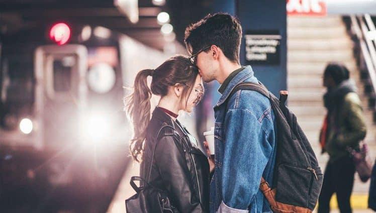 Todo amor é verdadeiro em suas particularidades e nenhum encontro acontece por acaso