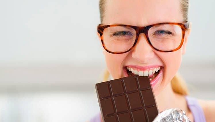 Comer chocolate pode melhorar sua função cerebral site