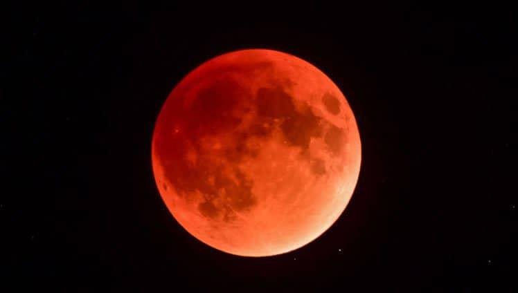 primeira super lua de sangue
