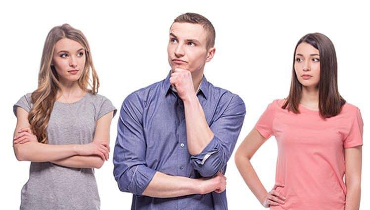 Homem e duas mulheres - 740x424px