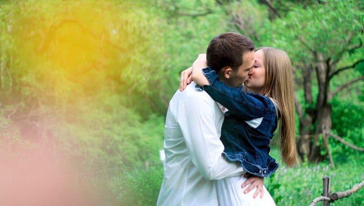 Cientistas explicam que abraçar