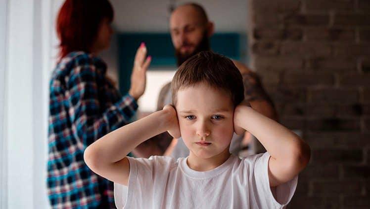 pais abusivos