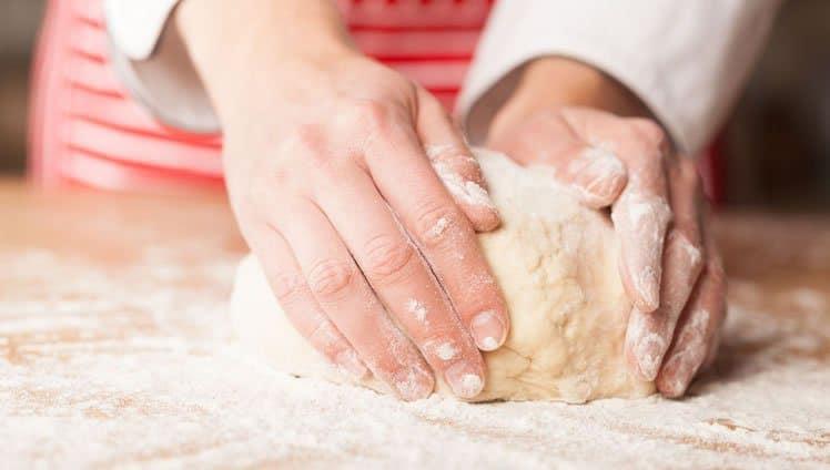 psicólogos explicam que fazer bolos