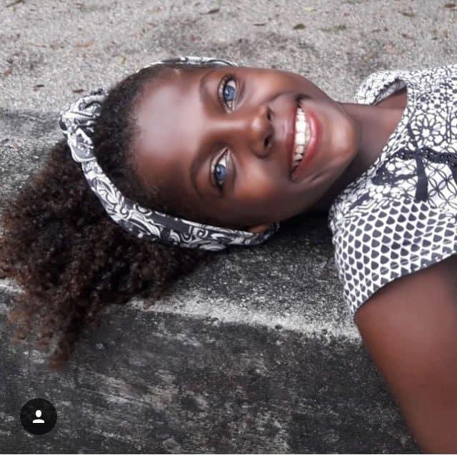 a menina brasileira dos olhos de safira3