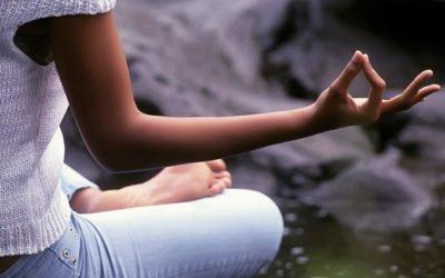 7 melhores óleos essenciais para meditação