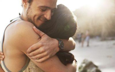 Abraços protegem