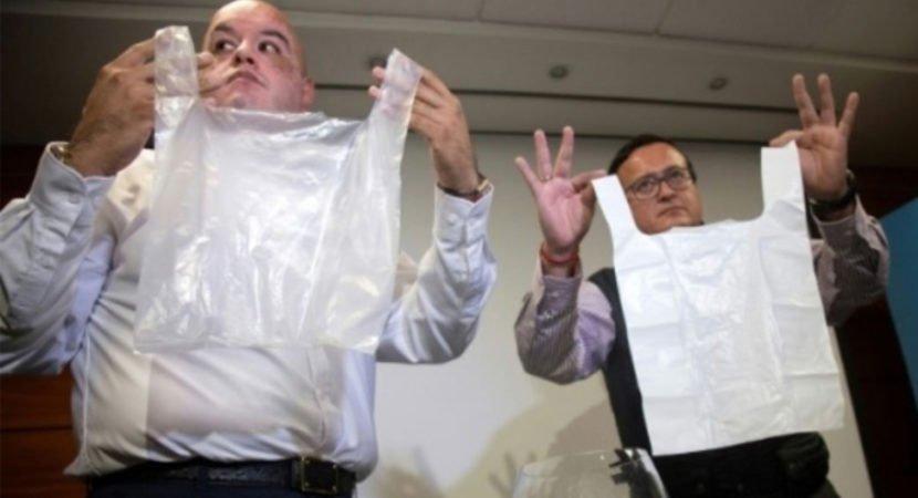 chilenos criam sacos plásticos solúveis