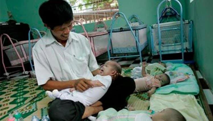 homem recolhia bebês3