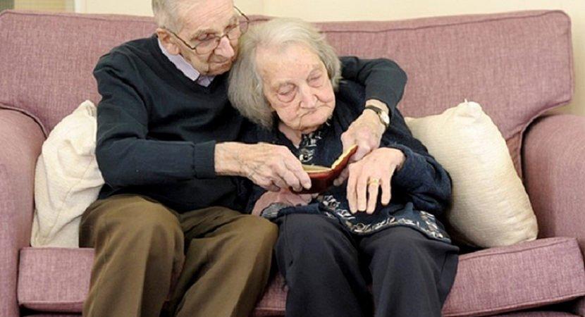 marido de 91 anos lê diário