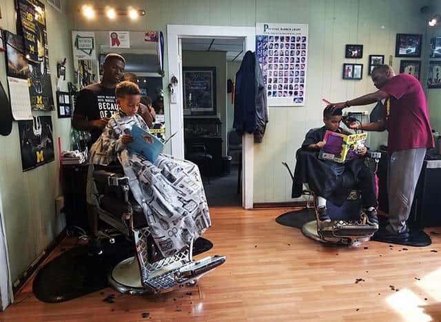 barbeiro dá desconto para3