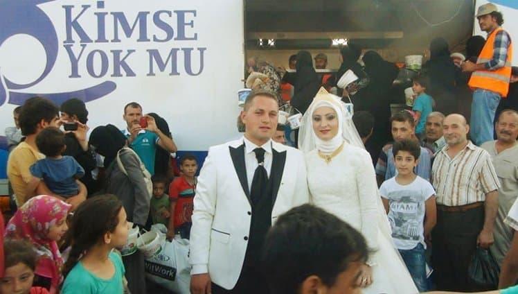 casal usa seu casamento3 1
