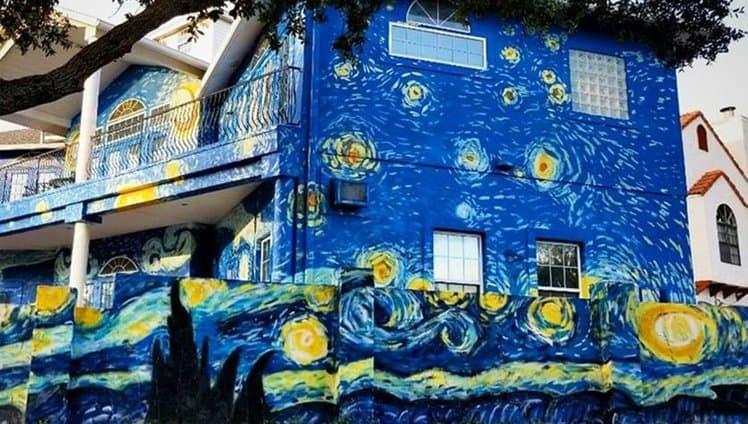 pais pintam casa estilo van gogh