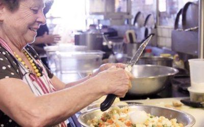 restaurante-decidiu-contratar-avos-e-agora-tem-a-melhor-comida-caseira
