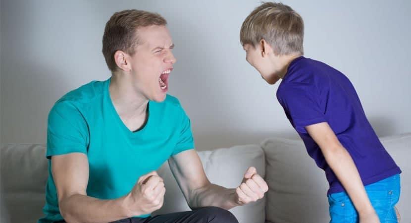 gritar com as crianças não faz com que