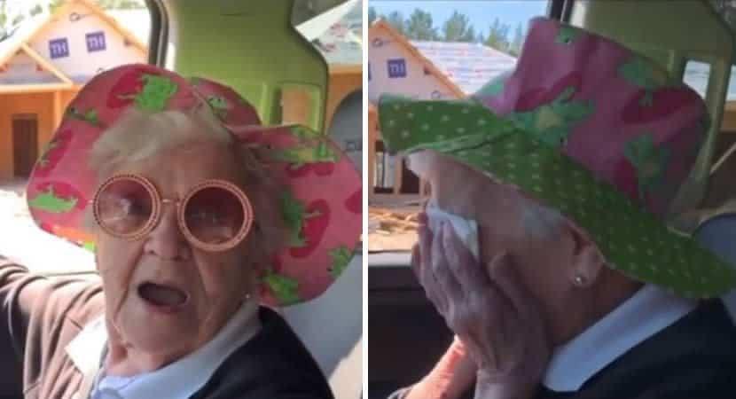 Avó chora de emoção ao saber que vai morar com o neto. Ela está feliz por alguém a querer