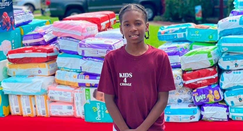 Menino de 11 anos doa 22 mil fraldas para bebês usando dinheiro que ganhou vendendo limonada