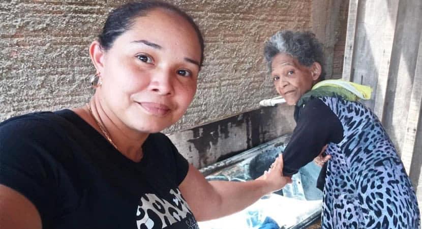 Mulher reencontra a mãe 35 anos depois de ser sequestrada quando era bebê