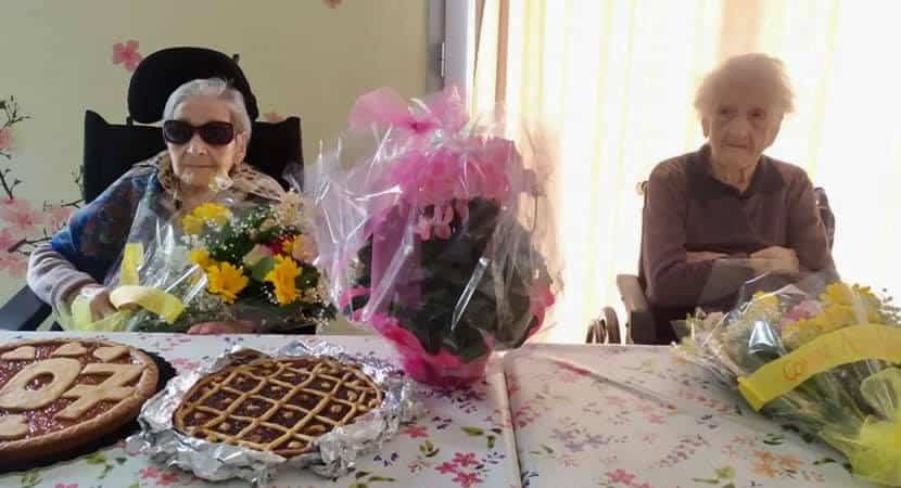 Vovó comemora seus 107 anos ao lado da melhor amiga que tem 1051