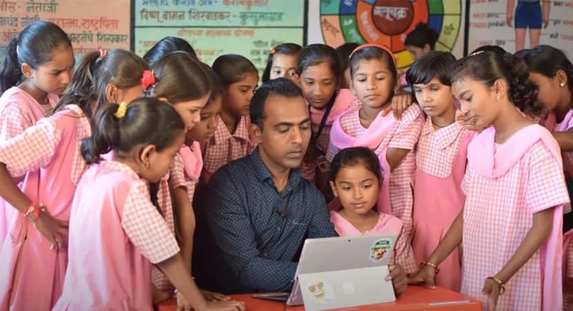 capaprofessor indiano liberta meninas do casamento infantil e ganha Prêmio Nobel de Educação