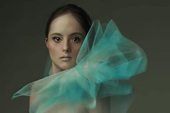2 Primeira modelo com Sindrome de Down desfila na passarela do Brasil Fashion Week Agradeco a Deus