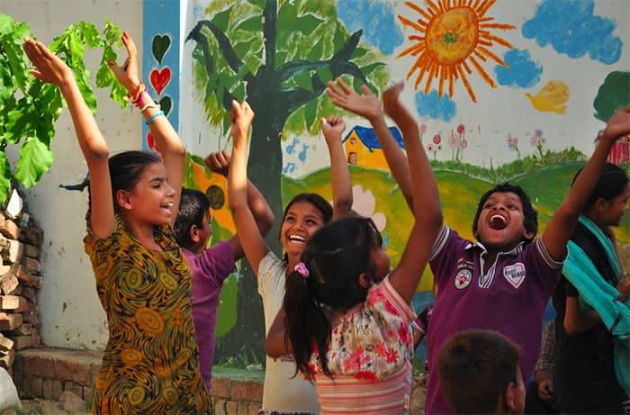 3 Homem salva mais de 2.500 criancas do trafico de pessoas atraves de ONG. Um exemplo de heroismo