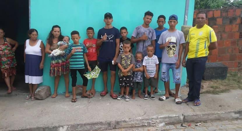 3depois do nascimento da primeira menina casal com 15 filhos decide fechar a fabrica
