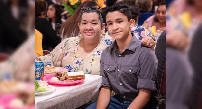 CAPA Menino de 14 anos luta para salvar mae da Covid Ela e a unica pessoa que tenho na vida