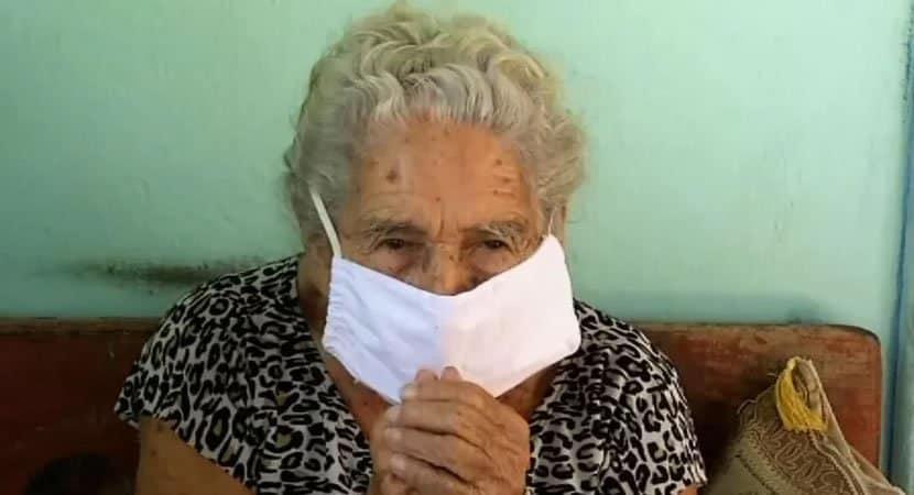aos 108 anos idosa abre mao de vacina contra Covid 19 Deixo para quem pode viver mais