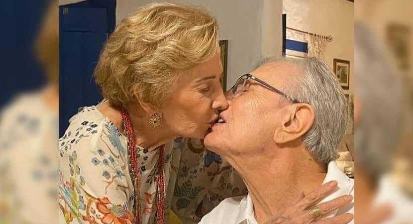 capagloria Menezes e Tarcisio Meira celebram amor e uniao duradoura com um beijo apaixonado 1