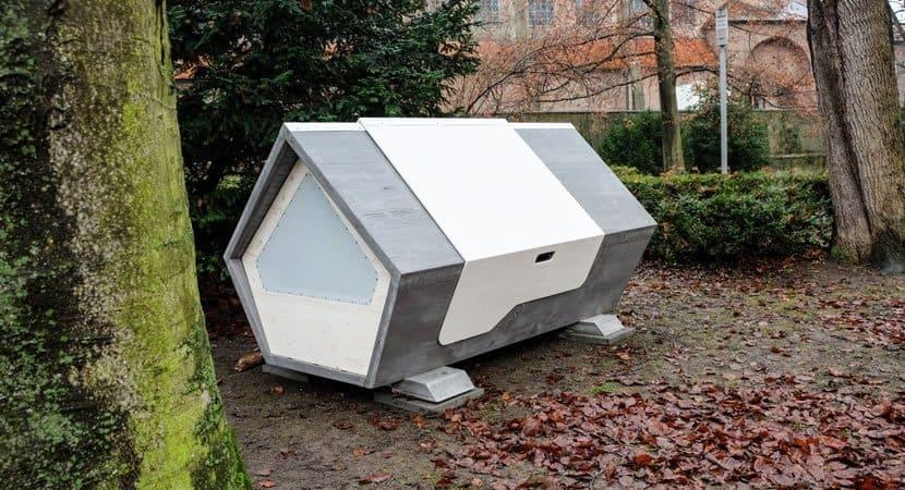 3pessoas se unem e constroem casas termicas para moradores de rua nao passarem frio
