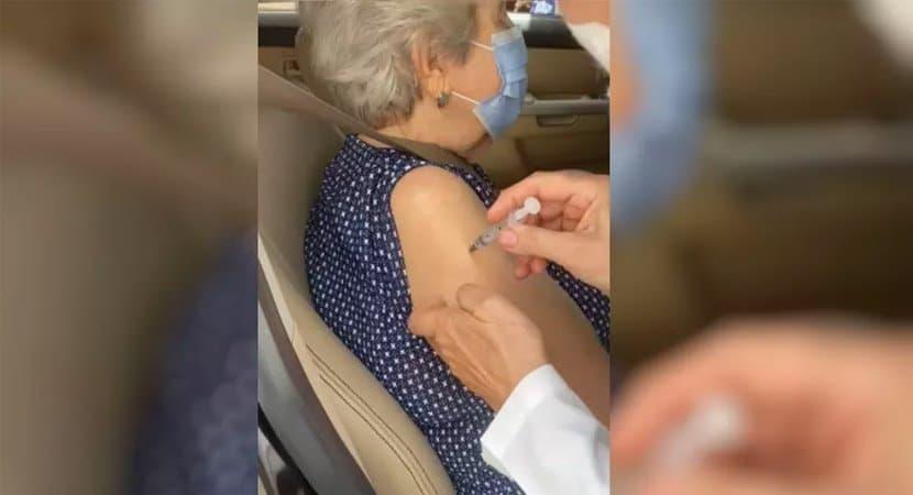 capa Filha diz que idosa so recebeu vacina contra