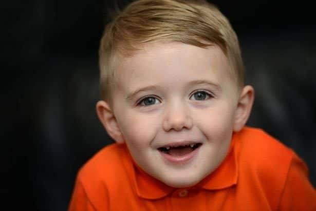 2menino de 3 anos salva a vida de pai diabetico alimentandoo a forca com iogurte