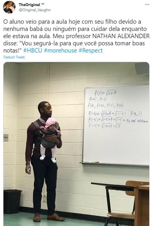 3professor gentil segura filha de aluno durante aula para ele estudar e viraliza