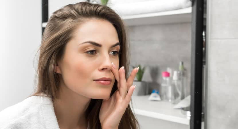 6 dicas simples mas poderosas para manter a pele hidratada e lisa