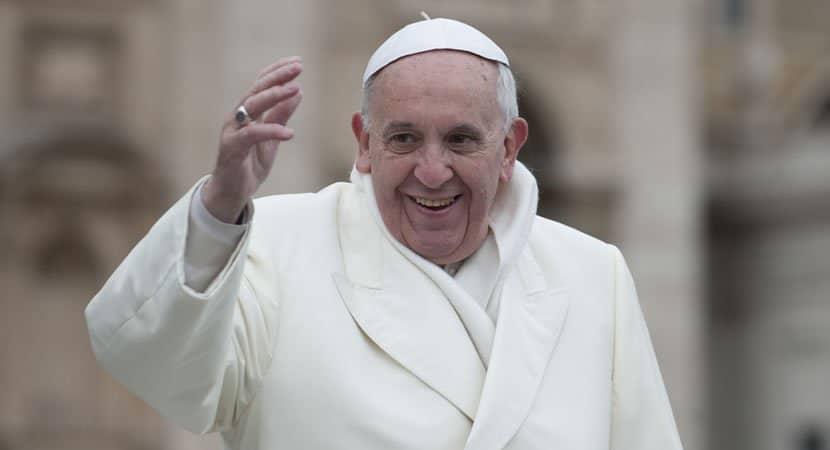 nao deixemos de agradecer a Deus se formos portadores de gratidao o mundo se tornara melhor Papa Francisco