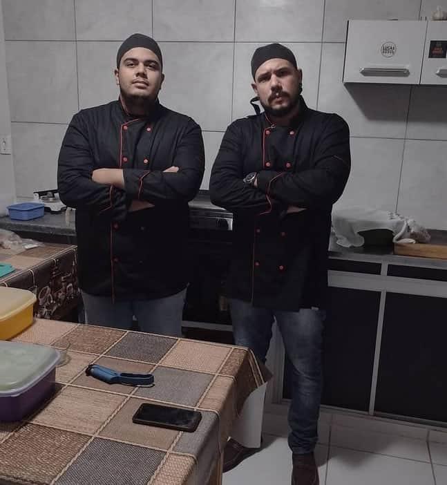 2 3 Apos pedido falso hamburgueria distribui lanches para moradores de rua Retribuir o mal com o bem