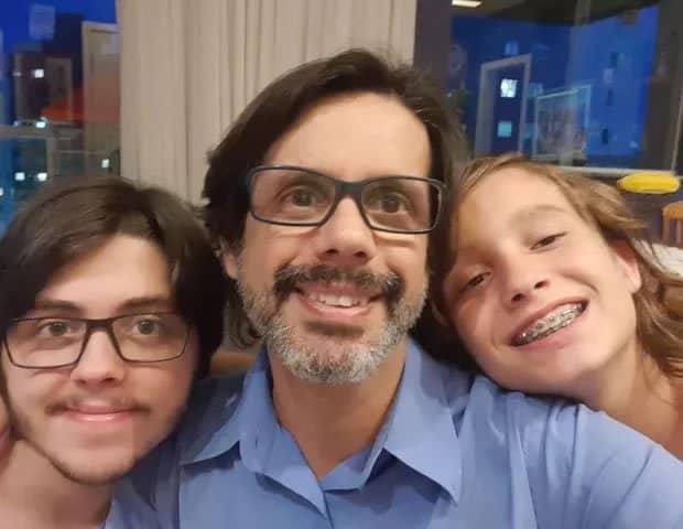 4 2 Tive um infarto virologista que combate Covid 19 e pai solo de dois filhos revela nivel de estresse