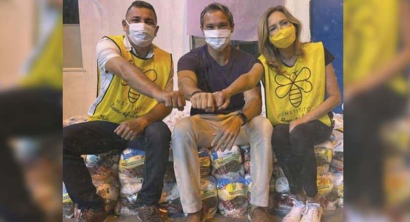 capahomem que cresceu na favela da Rocinha doa mil cestas basicas a comunidade
