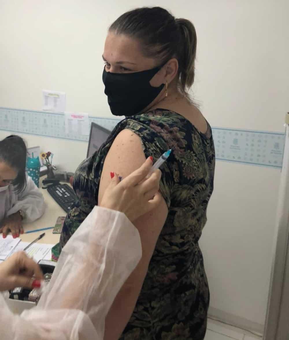 talita vacinacao covid