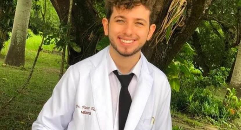 2 capa Brasileiro que entrou na faculdade aos 14 anos se forma em medicina e quer lutar contra Covid 19